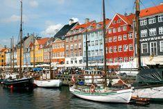 København: Her er de beste butikkene Places To Travel, Places To Go, Shopping Hacks, Copenhagen, Times Square, Suitcase, Trips, Viajes, Life Hacks Shopping