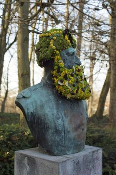 florist humor, flower-bombed public statues