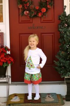 No need to sew this quick and easy holiday shirt for kids. Make it with Mod Podge and this no-sew tutorial!