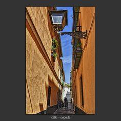 Meridiana claridad: calle-espada