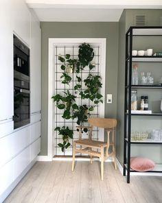 Derfor har Pernille vundet en pris for sine farvevalg derhjemme - Modern Interior Plants, Diy Interior, Interior Decorating, Interior Design, Jacuzzi Hot Tub, Decor Room, Behr, Scandinavian Design, House Colors