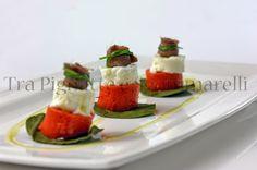 Le mie ricette - Piccole gelatine di peperone rosso, con mozzarella di bufala, acciuga e cialda di asparagi