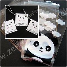 """Heb je deze schattige pandaberenzakjes al gezien? En de bijpassende labels """"het was beregezellig"""" De pandaberenzakjes zijn leverbaar in 2 maten. Te vullen met allerlei traktaties naar keuze. #trakteren #uitdeelzakjes #uitdelen #pandabeer #panda #zwartwit #zelfvullen #labels #beregezellig"""