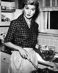 June Cleaver of Leave it to Beaver.I wanted to grow up to be like June Cleaver :-)