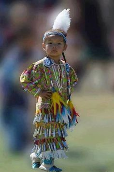 Cute tiny tot!!!  Pinned by indus® in honor of the indigenous people of North America who have influenced our indigenous medicine and spirituality by virtue of their being a member of a tribe from the Western Region through the Plains including the beginning of time until tomorrow.