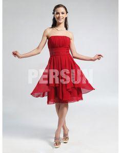 Femme robe de cocktail bustier rouge en mouseline