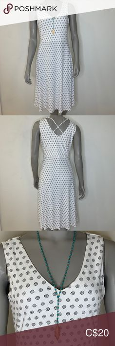 Vince Camuto white dress Flattering white dress with stretch. EUC no flaws. Vince Camuto Dress, Plus Fashion, Fashion Tips, Fashion Trends, Crochet Top, Flaws, White Dress, Nice, Create