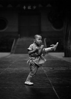 ♂ Black & white photo World martial Chinese Kung Fu Lohan