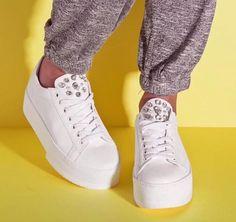 Sneakers glam!! New collection SS 2018  #fashion #sante #grumman #sneakers #santeshoes #fashionstyle  #shoebizz #ss18collection #shoebizzworld #shoebizzsignature #shoebizzladies #shoebizzlovers •Θα τις βρείτε στο κατάστημα μας, ,Αθ.Διακου 2 , Λαμια🔝🔝 •Για παραγγελίες: ☎️☎️Τηλ.Επικ:22310-24421 •Ή με inbox📩📩 •online > www.shoebizz.gr
