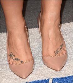 Demi Lovato: nude pumps and toe cleavage