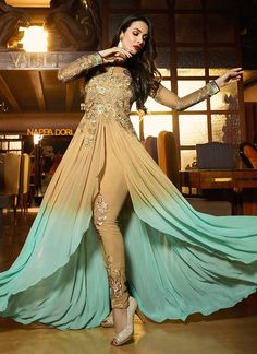 India Emporium provides you with a beautiful collection of casual and party wear salwar Kameez. We also offer designer salwar kameez that you can sport on special occasions. Eid Dresses, Pakistani Dresses, Indian Dresses, Indian Outfits, Fashion Dresses, Fashion Wear, Mode Bollywood, Bollywood Suits, Bollywood Style