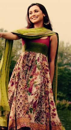 Rani Mukherji in a floral cotton anarkali Anarkali Dress, Pakistani Dresses, Indian Dresses, Indian Outfits, Cotton Anarkali, Indian Attire, Indian Ethnic Wear, Ethnic Fashion, Asian Fashion