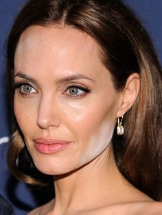 Let's investigate the damage, how it probably happened—and what to know so you won't fall victim, too! http://beautyeditor.ca/2014/05/14/angelina-jolie-powder/