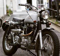 ロイヤルエンフィールド スクランブラー  #royalenfield #bullet #himalayan #scrambler #motocross #offroad #vintage #moto  - gotoya.mw