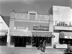 """Around 1939 – when the """"Wizard of Oz"""" was made – Judy Garland and her mother, Ethel Gumm, opened a flower shop in the Miracle Mile at 5421 Wilshire Blvd."""