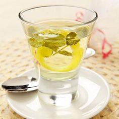 Infusión de menta, limón y jengibre