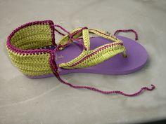 crochet flip flops Crochet Slipper Pattern, Crotchet Patterns, Crochet Slippers, Flip Flop Craft, Crochet Flip Flops, Decorating Flip Flops, Crochet Baby Sandals, Crochet For Boys, Flip Flop Shoes