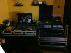 Digital djing with old school and new age dj techniques , gotta love traktor and pioneer