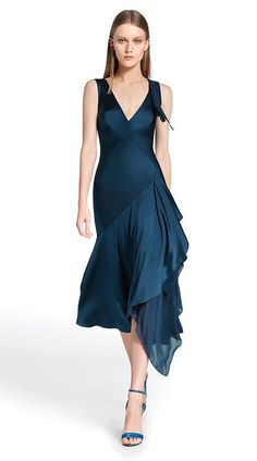 Donna Karan Resort 2014 Fashion Show Dance Outfits, Dance Dresses, Prom Dresses, Look Fashion, Fashion Show, Fashion Design, Runway Fashion, Tango Dress, Ballroom Dress
