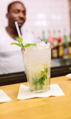 Cool down making a sip of this fresh Mojito cocktail made by #EuropeanBartenderSchool
