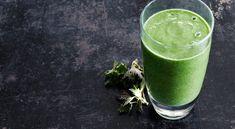 Recept på nässelsmoothie med hampafrö. En hälsosmoothie med nyttiga nässlor, protein och omega 3-rikt hampafrö.