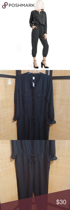 "Gap jumpsuit *NWT* Black drawstring jumpsuit ,4pockets,sinched ankle inseam 29"",about 60""total length xl tall,no trades ,reasonable offers or bundles welcome GAP Pants Jumpsuits & Rompers"