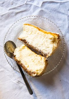 If you ask any foodie what they think the best cheesecake in the world is, nearly everyone will point to Basque cheesecake — an anti-cheesecake. It's burnt like Food L, Food Porn, Best Cheesecake, Springform Pan, Chocolate Cookies, No Bake Desserts, Cheesecakes, Matcha, Fondant