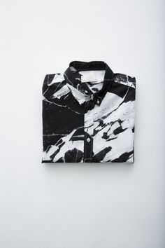 interesring piece of cloth #marble #shirt #black #white #overtime #<3