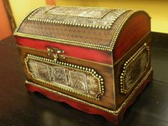 How To Choose Your Jewelry Armoire Cigar Box Crafts, Box Company, Metal Embossing, Antique Boxes, Altered Boxes, Jewellery Boxes, Jewelry Armoire, Paint Furniture, Treasure Chest