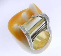 RING SHELL: white and yellow gold, 34 diamonds 0,70 ct. 16OS0011
