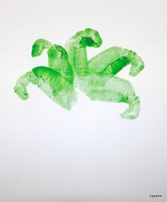 Tippytoe Crafts: Hand-Printed Palm Trees