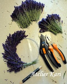 Atelier Kari creates wreaths, hearts and decorations from beautiful natural materials ., Atelier Kari creates wreaths, hearts and decorations from beautiful natural materials. Deco Nature, Nature Decor, Nature Crafts, Lavender Crafts, Lavender Wreath, Lavander, Lavender Wands, Lavender Bouquet, Diy Fall Wreath