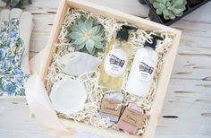 MOTHERS DAY CURATED GIFT BOXES Marigold & Grey creates artisan gifts for all occasions. Wedding welcome gifts. Workshop swag. Client gifts. Corporate event gifts. Bridesmaid gifts. Groomsmen Gifts. Holiday Gifts. Click to order online. Photo: Kelli Boyd Photography Styling: Lavin Label