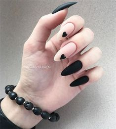 Expand fashion to your nails with the help of nail art designs. Donned by fashion-forward personalities, these kinds of nail designs can add instantaneous allure to your apparel. Matte Nail Art, Black Nail Art, Cute Acrylic Nails, Fun Nails, Cute Black Nails, Edgy Nail Art, Black Art, Long Black Nails, Oval Nail Art