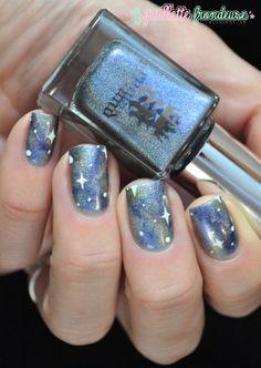 A England Dancing with Nureyev galaxy nails #nail #nailart http://lapaillettefrondeuse.blogspot.be