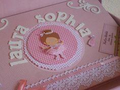 Livro de assinaturas. A decoração e as cores do livro podem ser alteradas de acordo com a ocasião e gosto do cliente.
