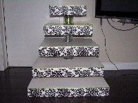 DIY Wedding - DIY Damask Cupcake stand - KHAERTER's Black Wedding by Color Blog