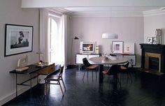 Un apartamento vintage y chic Prefabricated Houses, Piece A Vivre, Dining Area, Dining Rooms, Loft, Chic, Decoration, Interior Inspiration, Corner Desk