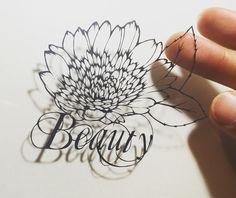 """花言葉シリーズ ポンポンガーベラ🌼美,元気,常に前進,etc Gerbera: Language of flowers is """"Beauty"""" #切り絵 #フラワーアート #フラワー #花 #ガーベラ #花言葉 #美 #綺麗 #papercut #paperart #flowerart #paperflower  #shadow #beauty #lineart"""