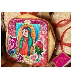 "Mochila ""Sangre"" hecha con materiales reciclados. https://www.facebook.com/Sangre-portadora-de-arte-1474163702853612/?fref=ts"