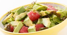 tomatoes and avocado salad for healthy diet