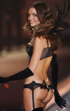 Miranda kerr is stunning!