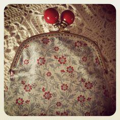 Vintage purse - love that clasp
