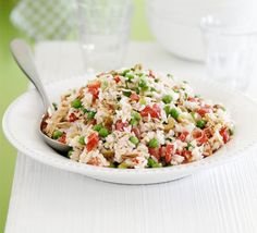 Help-yourself tuna rice salad - Ideal for busy households, this hearty salad keeps well in the fridge for up to three days, ready to be spooned into a bowl whenever you're peckish Tuna Rice Salad, Rice Salad Recipes, Salad Recipes Video, Bbc Good Food Recipes, Cooking Recipes, Healthy Recipes, Budget Cooking, Food Budget, Cooking Videos