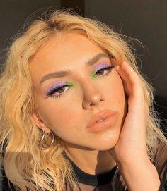 147 purple eyeshadow shades & palettes that will make eyes pop – page 1 Makeup Eye Looks, Halloween Makeup Looks, Smokey Eye Makeup, Cute Makeup, Pretty Makeup, Gorgeous Makeup, Halloween Nails, Smoky Eye, Halloween Halloween
