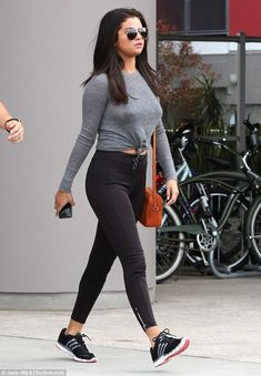 Selena Gomez in Tights - Leaving a Gym in West Hollywood, June Selena Gomez Style, Outfits, Clothes and Latest Photos. Selena Gomez Fashion, Selena Gomez Fotos, Selena Gomez Outfits, Selena Selena, Selena Gomez Trajes, Selena Gomez Pictures, Selena Gomez Style, Mode Outfits, Casual Outfits