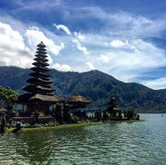 Cannot believe what my retina has been exposed ! 😍😎😂🙈🙊 #bedugul #bali #indonesia #asia #asiatrip2017 #travel #instatravel #globetrotter #voyage #instavoyage #nature #temple #lake #tropical #travelphotography #photographyskills #travelgram #monocle by ziyaad.89. voyage #lake #tropical #nature #travelphotography #bedugul #globetrotter #monocle #asiatrip2017 #temple #photographyskills #travelgram #instavoyage #asia #instatravel #travel #bali #indonesia