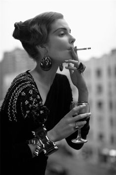 Being bad ~ETS #cocktail and a #smoke