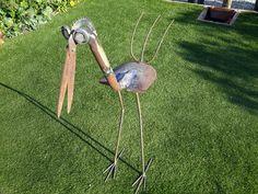 Metal Yard Art, Scrap Metal Art, Metal Art Projects, Metal Crafts, Diy Welding, Metal Birds, Steel Art, Horseshoe Art, Bird Sculpture