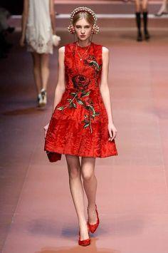 Dolce & Gabbana autumn/winter 15 show collection pictures   Harper's Bazaar